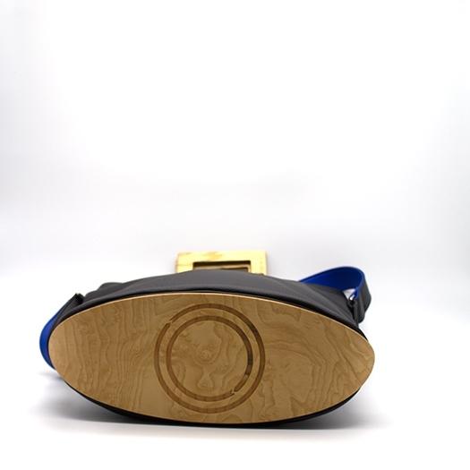 Tasche groß L schwarz/blau/rot/gelb Bauhaus Edition mit Holz Esche Holzboden Holzgriffen Unikat Hydrogen 0034_4 Boden