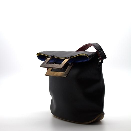 Tasche klein S schwarz/blau/rot/gelb Bauhaus Edition mit Holz Eiche Holzboden Holzgriffen Unikat Hydrogen 0099_3 Seite