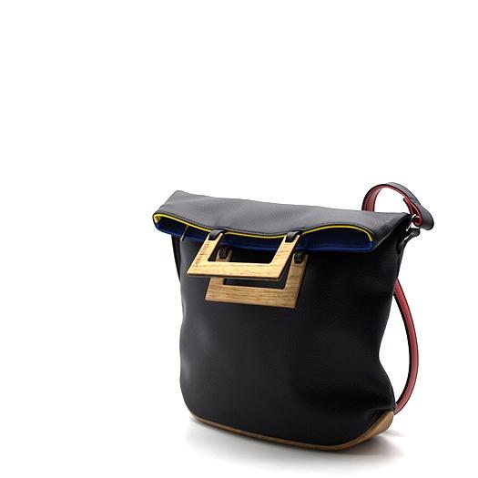 Tasche klein S schwarz/blau/rot/gelb Bauhaus Edition mit Holz Eiche Holzboden Holzgriffen Unikat Hydrogen 0110_3 Seite