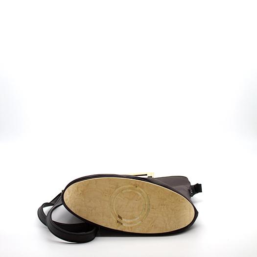 Tasche klein S braun schwarz mit Holz Vogelaugenahorn Holzboden Holzgriffen Recycling Unikat Hydrogen 0151_4 Boden