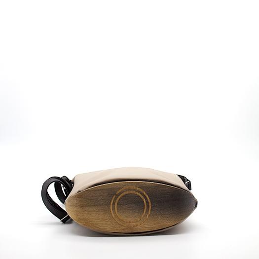 Tasche klein S perubraun schwarz mit Holz Eiche Holzboden Holzgriffen Recycling Unikat Hydrogen 0127_4 Boden