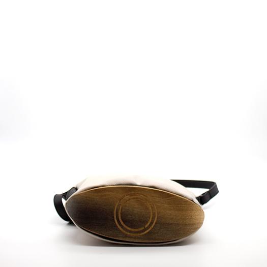 Tasche klein S Hellelfenbein schwarz mit Holz Eiche Holzboden Holzgriffen Recycling Unikat Hydrogen 0129_4 Boden